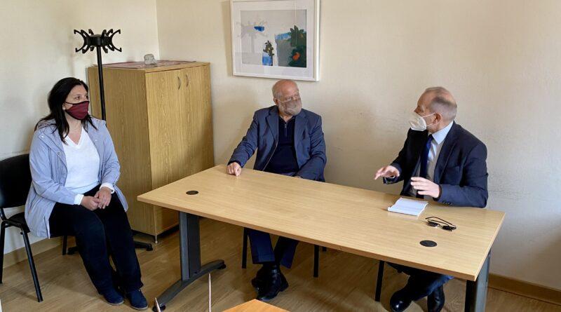 Επίσκεψη Στ. Γκίκα στο Εμβολιαστικό Κέντρο Β. Κέρκυρας και Συνάντηση με τον Δήμαρχο Β. Κέρκυρας, Γ. Μαχειμάρη